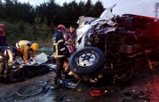Tanker ile kamyonet çarpıştı: 1 ölü