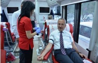 Orman Bölge Müdürlüğü personeli kan bağışı...