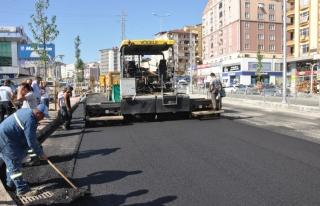 Şehit Ömer Halisdemir bulvarı asfaltlanıyor..