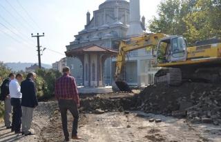Tepekent Camii ve çevresindeki çalışmalar sürüyor
