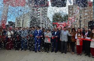 Projelerin açılışı için tören düzenledi