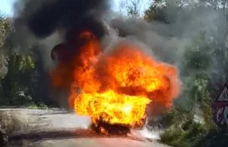 Alev topuna dönen otomobildeki LPG tüpü patladı