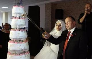 Erol Acar evlendi