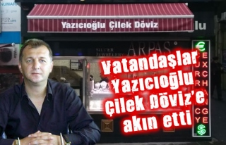 Vatandaşlar Yazıcıoğlu Çilek Döviz'e akın...