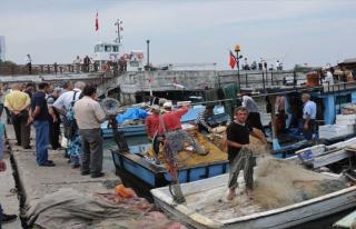 Akçakocalı balıkçılar av sezonuna hazırlanıyorlar