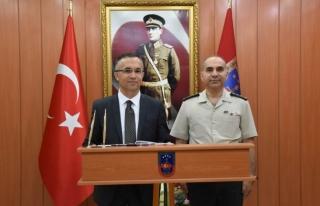 Vali Çeber, İl Jandarma Komutanlığına ziyarette...