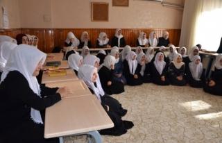 Gençlik Merkezi'nden Kur'an Kursu öğrencilerine...