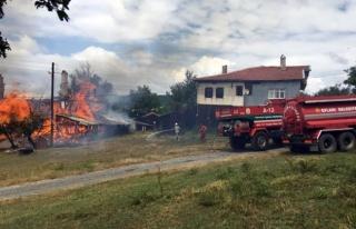 Karabük'te Ev yangınına helikopterli müdahale