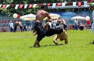 11. Geleneksel Bin Güreşçinin Katılımıyla Başladı.