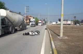 Sapak mevkiinde Otobüse arkadan çarptı 1 Yaralı