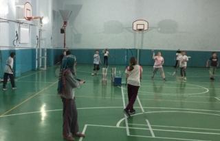 Düzce Gençlik Badminton Temelden Eğitim.
