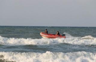 Tekkeönü Sahilinde Akıntıya Kapıldı
