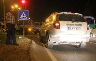 Trafık Kazası; Kamyonet, İki Otomobile Çarptı