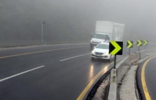 Bolu Dağı'nda yağmur ve sis etkili oluyor