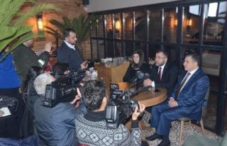 AK Parti il Başkanı Keskin, gazetecilerle sohbet...