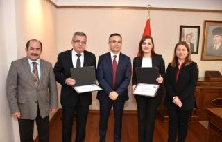Karabük'te iki kuruma erişilebilirlik belgesi verildi...