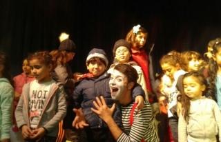Çocuk oyununa uluslararası festivallerden büyük...