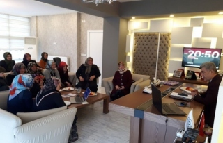 AK Kadınlardan Başkan Yiğit'e ziyaret