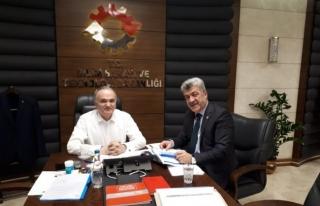 Başkan Yiğit, Bakan Özlü ile Yığılca'nın projelerini...