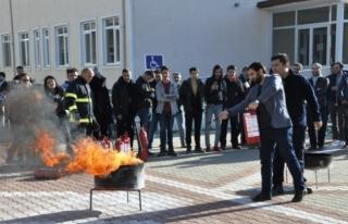 Üniversitede Yangın Tatbikatı Düzenlendi