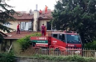 Uzun Mustafa İlkokulunun Çatısında Yangın