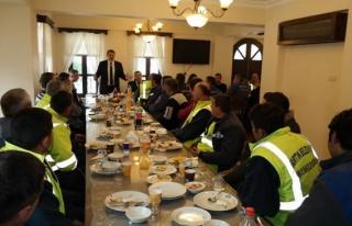 Belediye Başkanı Akın, personelle buluştu...