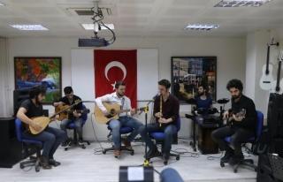 """Mehmetçiğe """"türkülü"""" destek verdiler"""