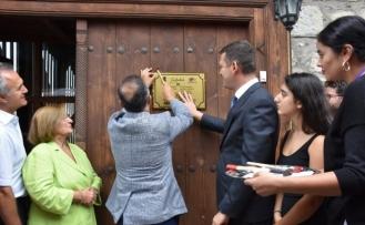 Tarihi 197 yıllık eve 'En iyi restore edilen ev' plaketi çakıldı