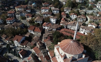 Osmanlı kenti Safranbolu'da tarihi çarşı gün yüzüne çıkarılıyor