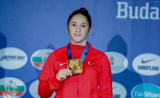 Bartın Üniversitesi öğrencisi Zeynep Yetgil'den bronz madalya