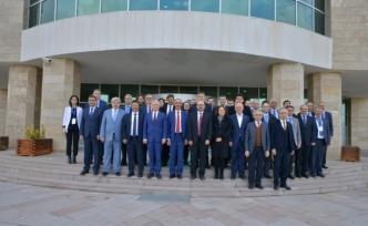 İhtisaslaşan 15 pilot üniversitenin rektörleri Kırşehir'de toplandı