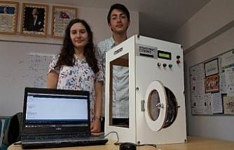 Öğrencilerden çamaşır makinesi programı