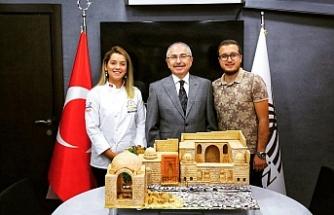 Zonguldaklı genç şef harikalar yaratıyor!