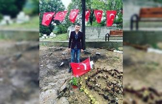 Silah arkadaşı mezarını ziyaret etti!..