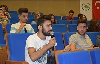 Yeni öğrenciler için oryantasyon programı