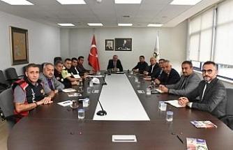 Başkan Dursun Ay birim müdürleri ile görüştü