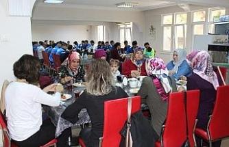 Futbolcular aileleriyle 'birlik beraberlik kahvaltısı' yaptı