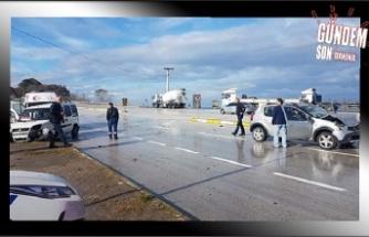 Otomobille kamyonet çarpışı!..