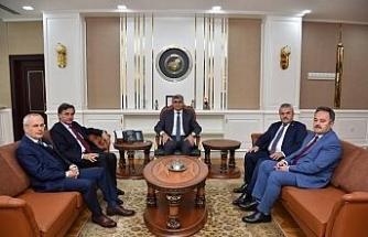 AK Partili vekiller Vali Gürel ile fikir alışverişinde bulundu