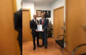 Gazeteci Tuncay Türkgülü MHP'den aday adayı oldu