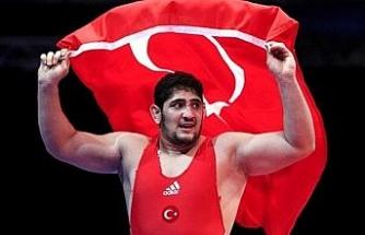 Milli Güreşçi Osman Yıldırım dünya 2.'si oldu