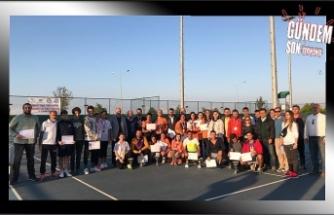 Zonguldak Deniz Tenis, derece yaptı