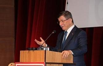 """Davutoğlu: """"15 Temmuz millet olarak en ağır imtihan ama yüzyıllarca sürecek gurur gecesini yaşadık"""""""