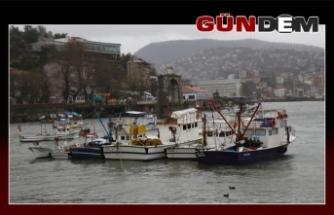 Zonguldak'ta fırtına etkili oluyor