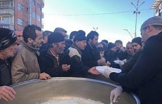 Belediye başkan adayından vatandaşlara 2 bin kişilik pilav ikramı