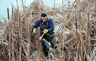 Avcıların vurduğu balıkçı kurtarıldı