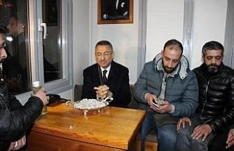 Cumhurbaşkanı Yardımcısı Oktay, taksicilerle sohbet etti