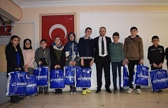 İstanbul Eflaniler Derneği'nden 796 öğrenciye giyim yardımı