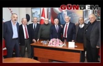 Trabzonlular derneği Şanal'a el verdi