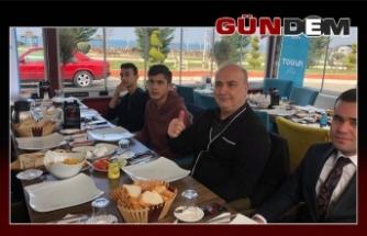 TÜGVA'lı Gençler Celil Uzun'la kahvaltıda buluştu